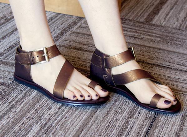 الاســـم:Donald-J-Pliner-Hadiya-Bulo-Shoes.jpg المشاهدات: 4529 الحجـــم:300.8 كيلوبايت
