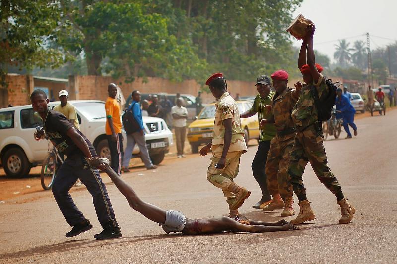 اضغط على الصورة لعرض أكبر.  الإسم:central-african-picture.jpg مشاهدات:46 الحجم:332.7 كيلوبايت الهوية:16044