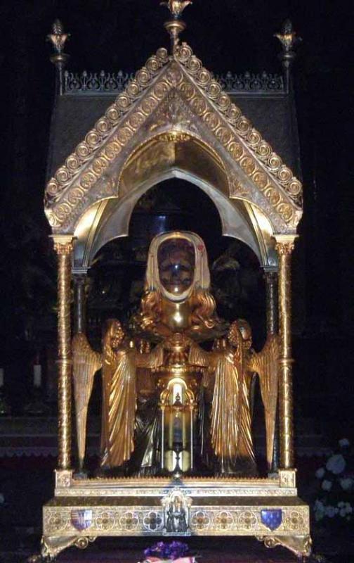 اضغط على الصورة لعرض أكبر.  الإسم:Skull-of-Mary-Magdalene2.jpg مشاهدات:58 الحجم:131.9 كيلوبايت الهوية:16389