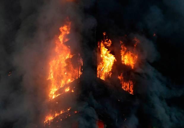 الاســـم:grenfell tower fire2.jpg المشاهدات: 103 الحجـــم:20.8 كيلوبايت
